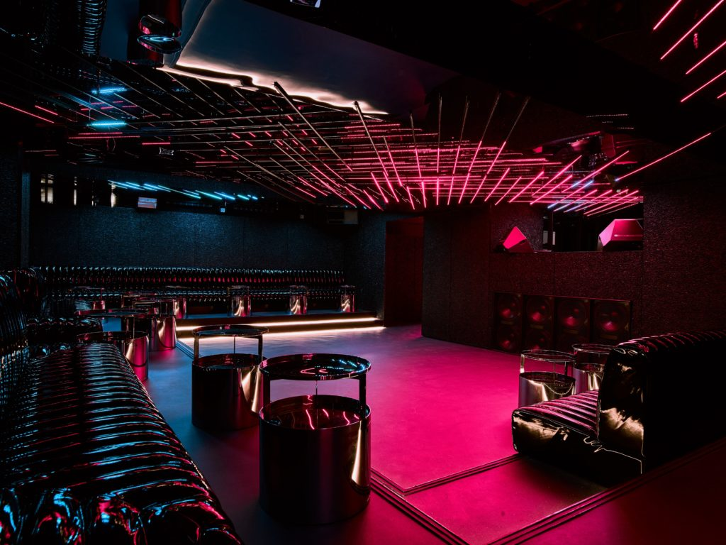 MAD FOX interior club beautiful luxury great place to be dance special venue corporate event amsterdam