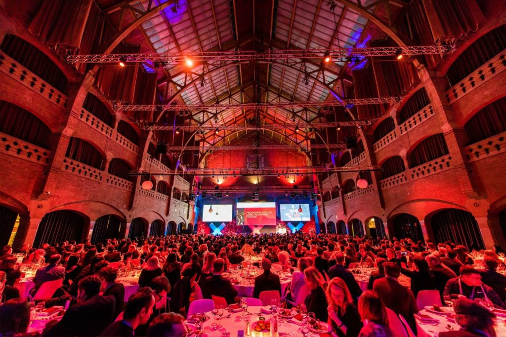 amsterdam beurs van berlage dinner setting in the grote zaal special venue corporate event eventoir